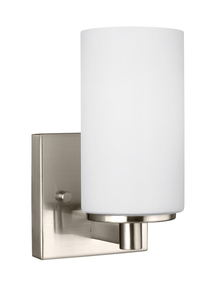 Robinson Lighting in Winnipeg , Manitoba, Canada,  9RGMR, One Light Wall / Bath Sconce, Hettinger