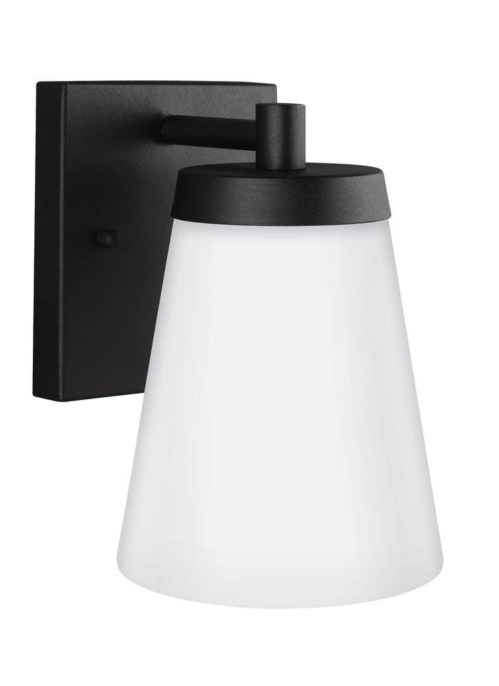 Robinson Lighting in Winnipeg , Manitoba, Canada,  9VEDG, Small One Light Outdoor Wall Lantern, Renville